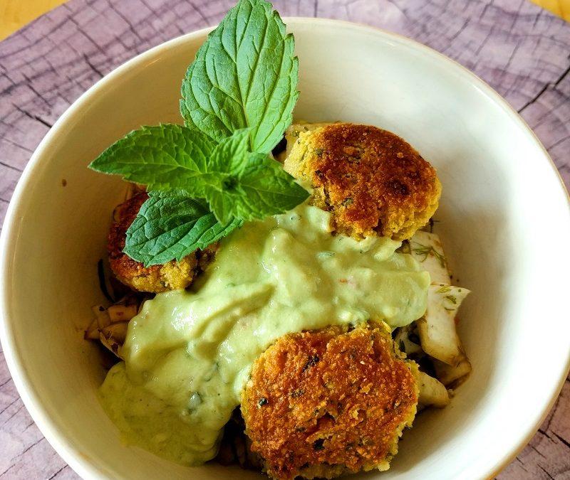 Falafel mit Avocadocreme